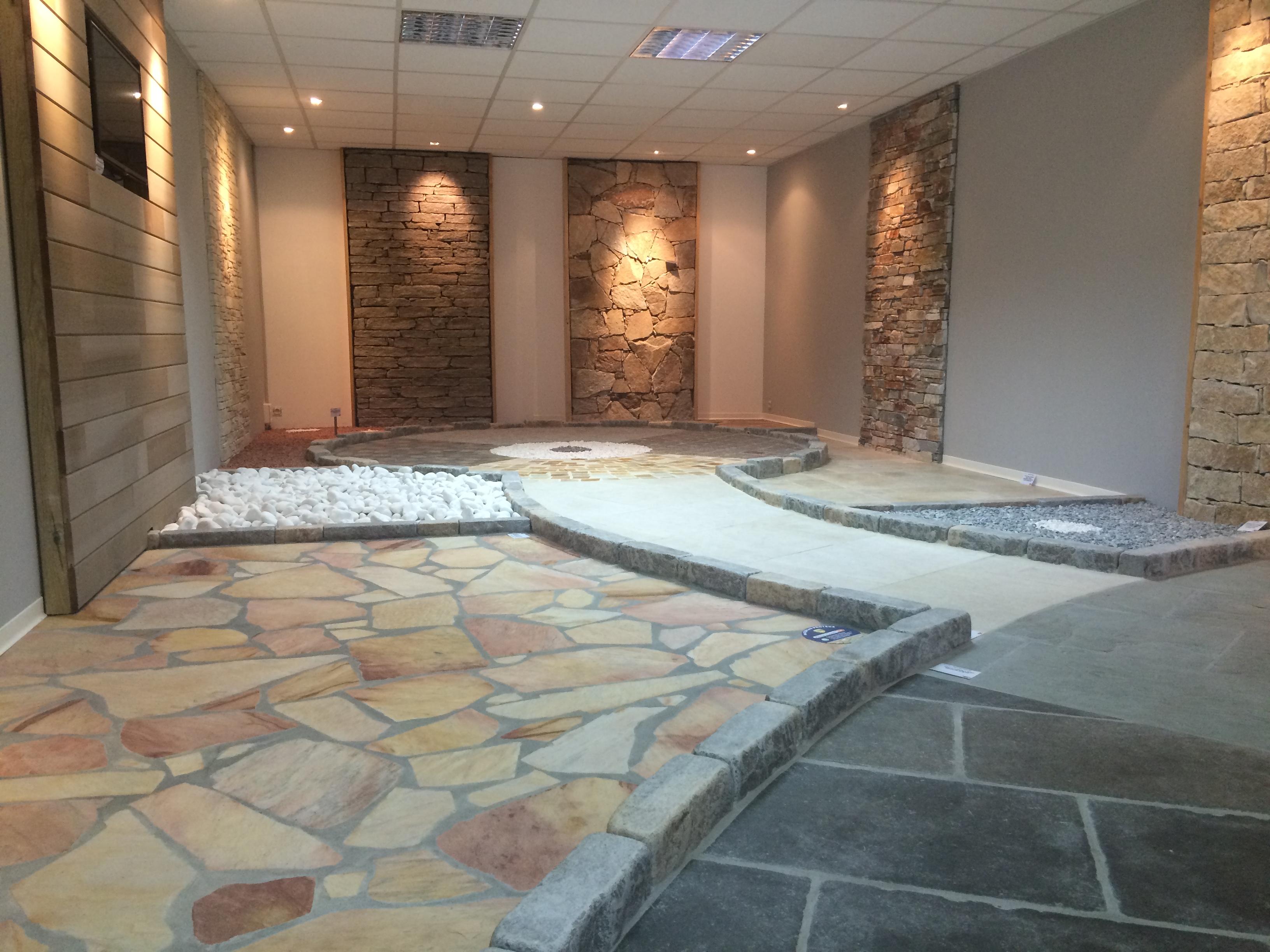 Pierres naturelles : l'espace showroom de Mufraggi Matériaux